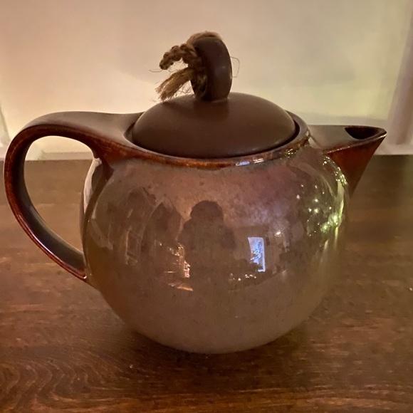 Ceramic bundle: Brown Teapot and Blue planter